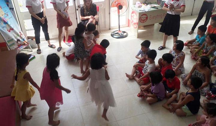 album-anh-buoi-ngoai-khoa-dinh-ky-tai-for-kid-center-quang-ngai-6